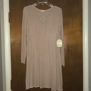 Long sleeve dress with criss cross chest